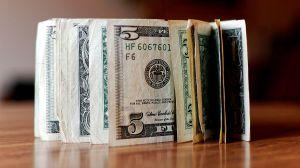 Cliente deja los $1,200 de su cheque de estímulo como propina en un restaurante