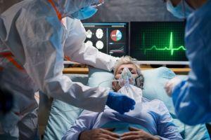 Vídeo: Enfermero muere y recibe emotivo homenaje de todo el hospital