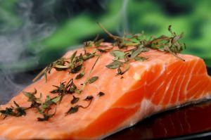 Qué alimentos pueden aplacar los síntomas de deficiencia de vitamina B12