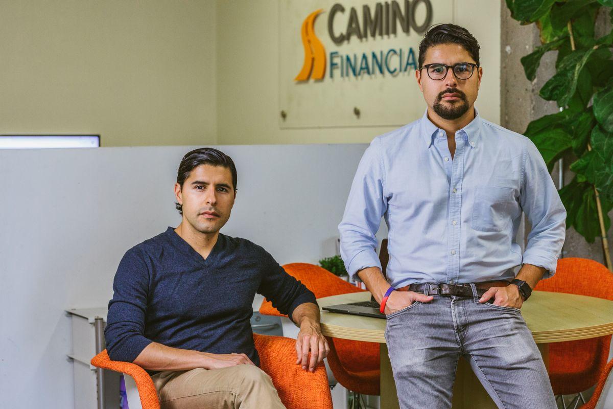 Los empresarios latinos llegan con desventaja a los préstamos del SBA por la crisis