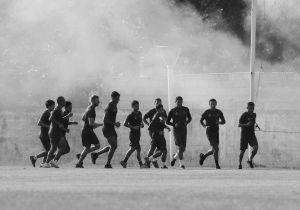Soñaban con jugar fútbol profesional en Europa: terminaron estafados y viviendo la pandemia de la caridad de los vecinos