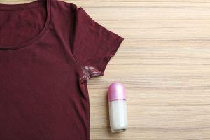¿Cuáles son los desodorantes que no manchan la ropa?