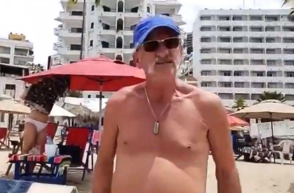 VIDEO: Turistas que rompen cuarentena por COVID-19 en la playa mexicana intentan golpear a reportera