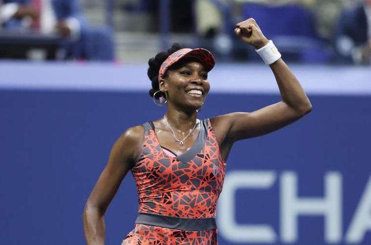 Venus Williams limpia su casa en traje de baño y Serena se burla de ella