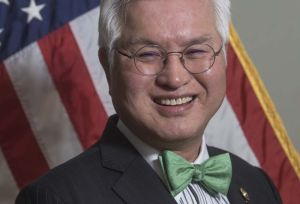 """Concejal de Jersey City de origen asiático muerto por coronavirus vivía el """"sueño americano"""""""