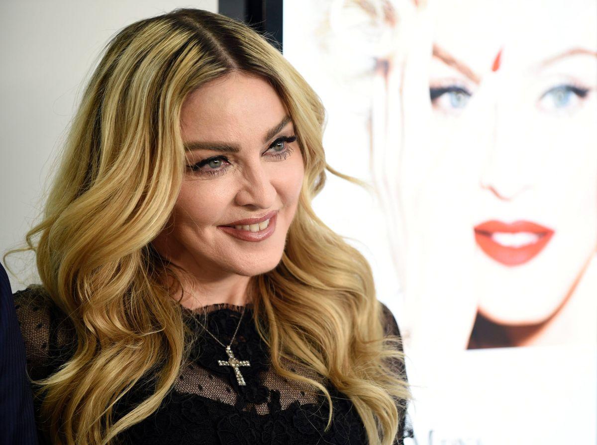 Madonna comparte orgullosa un video de su hijo de 15 años modelando un vestido ajustado