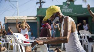 """""""Creen que Dios puede resolverlo"""", los evangélicos se resisten las restricciones sanitarias por coronavirus en  América Latina"""