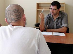 ¿Hay una tregua entre los miembros de la MS-13 en El Salvador para no atacarse en las cárceles?