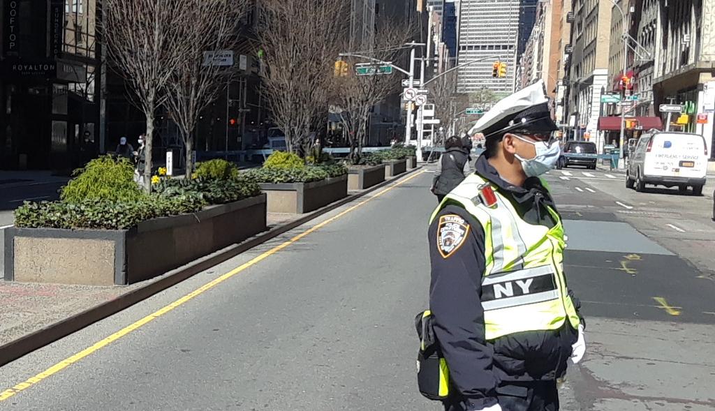 """Jefe de sindicato NYPD """"exige"""" renuncia inmediata del alcalde de Nueva York"""