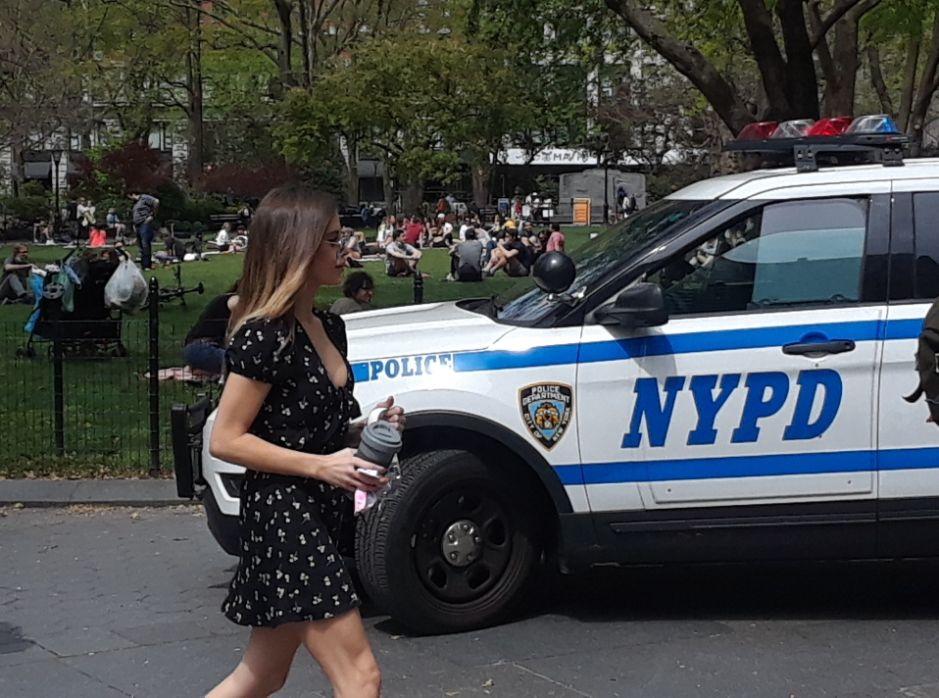 """Nueva York está liderada """"por cobardes"""": sindicato policial no quiere vigilar el distanciamiento social y critica liberación de presos"""