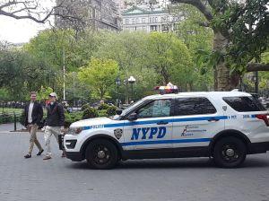 Alcalde cede: NYPD ya no vigilará distanciamiento social ni uso de máscaras