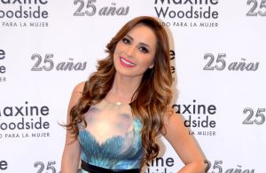Cynthia Rodríguez expone sus curvas y belleza al natural