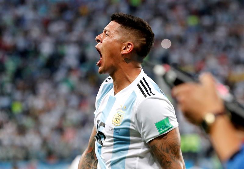 Aprovechando, un cigarrillo: seleccionado argentino fue sorprendido rompiendo la cuarentena y fumando