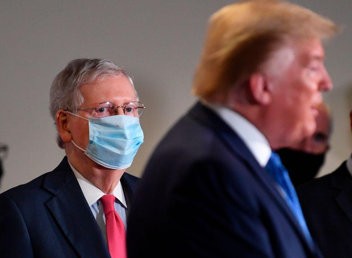 El senador Mitch McConnell busca lograr un acuerdo con la Administración Trump.