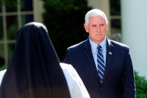 El vicepresidente Mike Pence hará cuarentena fuera de la Casa Blanca