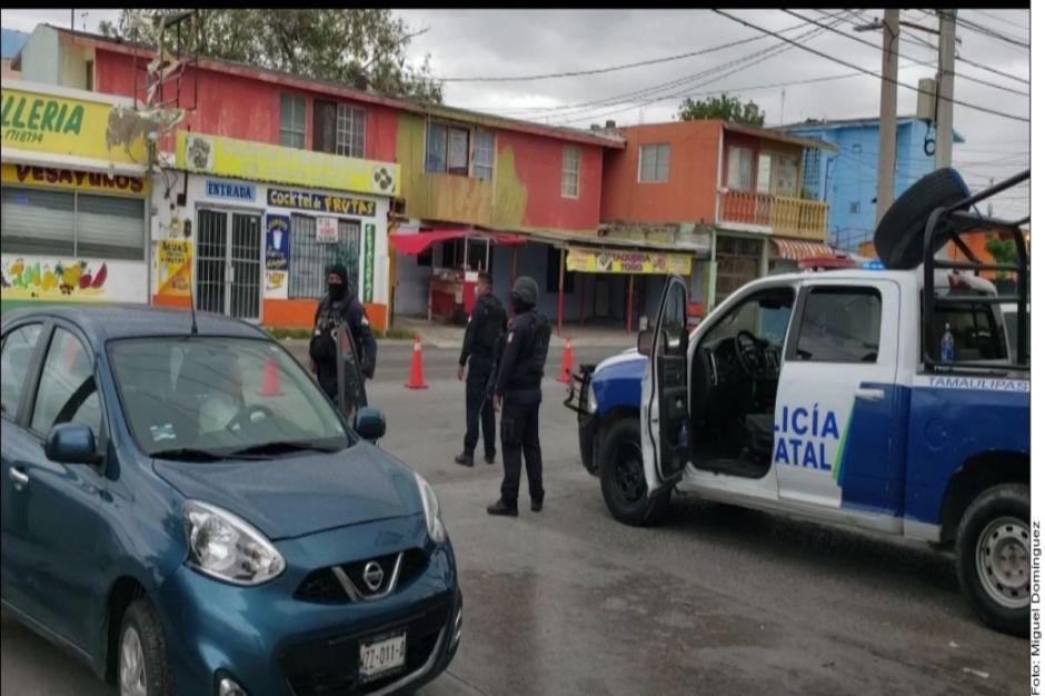 Cártel del Noreste ataca a policías y cómplices bloquean calles para que escapen