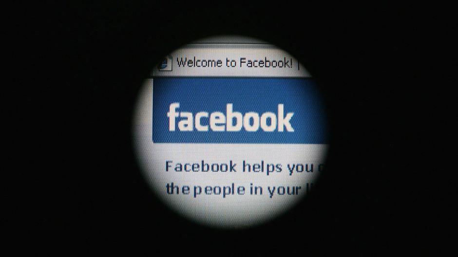 Advierten a Facebook que encriptación de datos protegerá a pederastas