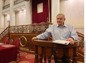 'No son ocurrencias': López Obrador defiende su política económica en ensayo