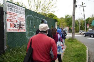 Insólito: Desperdician en Queens kilos de comida destinada a víctimas de la pandemia