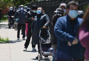 La incertidumbre financiera se ceba en los bolsillos de los latinos