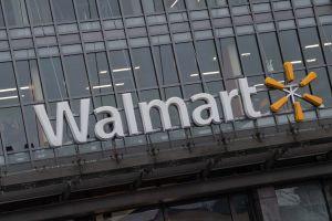 Empleados de Walmart y Sam's Club reciben bonos por coronavirus en efectivo que en total rondan los $1000 millones de dólares