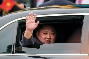 La extraña marca de Kim Jong-un en el brazo derecho que evidencia procedimiento médico