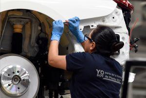 México reabre las plantas de automóviles en coordinación con las armadoras de Estados Unidos