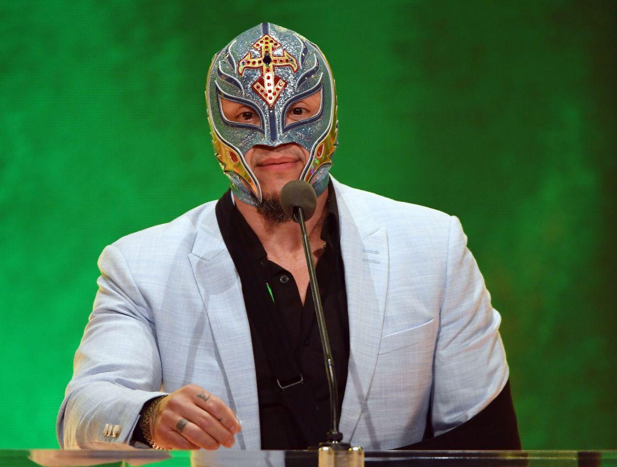 Hijo de Rey Mysterio debutará este mes en la WWE contra el archirrival de su padre