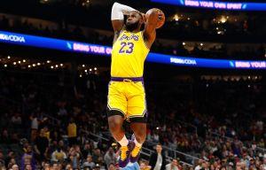 """LeBron James destapa logo de """"Space Jam 2"""" y sacude las redes"""