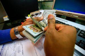 """Tim Ryan insiste en cheque de estímulo de $2,000 mensuales: """"La única cosa que va a costar más es hacer nada"""""""