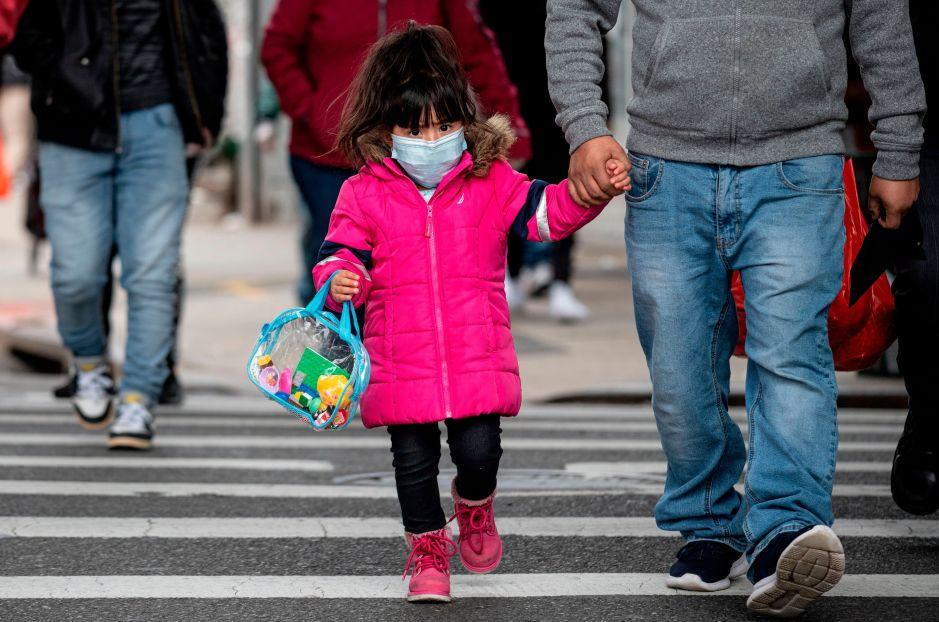Demócratas avanzan con ley de ayuda a familias con hijos en medio de coronavirus