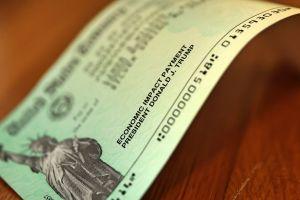 Cuántos cheques de estímulo de la primer ronda nunca se han cobrado o han sido devueltos al IRS