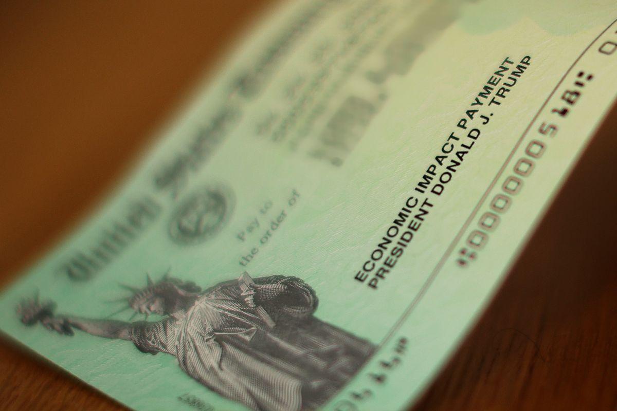 IRS corregirá error que evita que el cheque de $1,200 llegue a algunas personas