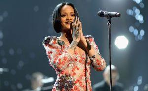 Rihanna cierra la división de lujo de su marca Fenty por la crisis económica
