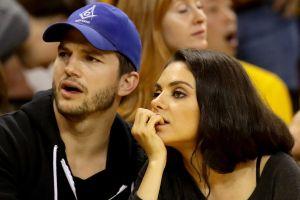 Mila Kunis y Ashton Kutcher solo bañan a sus hijos cuando están muy sucios, que se les note en la piel