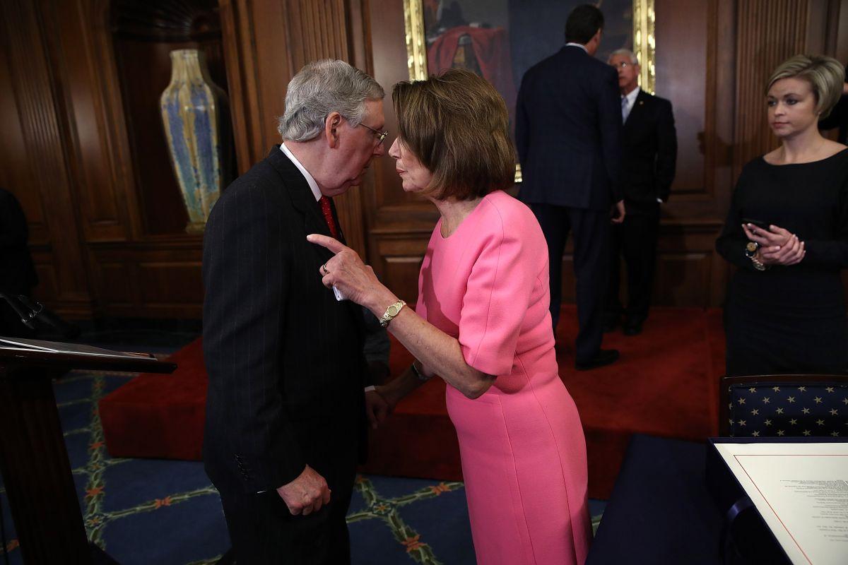 Segunda ronda de cheques de estímulo: ¿por qué a algunos demócratas no le hace sentido?