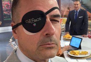 Carlos Calderón aparece con un ojo tapado como Catalina Creel