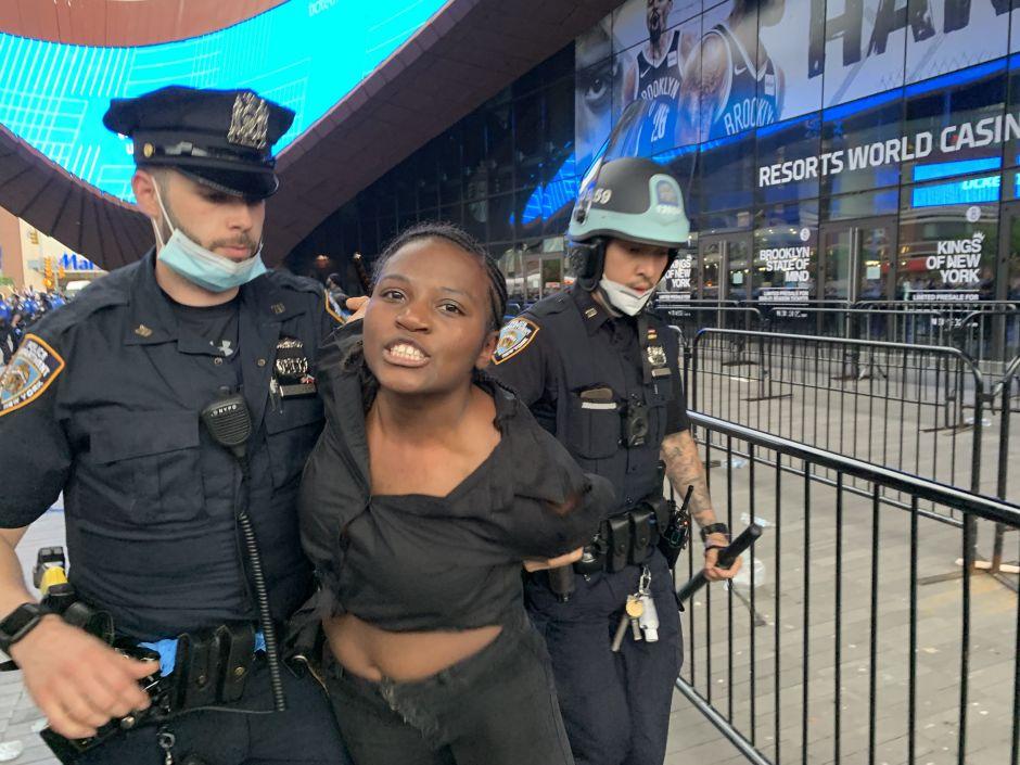 FOTOS: Protesta en Brooklyn por la muerte de George Floyd terminó en violencia