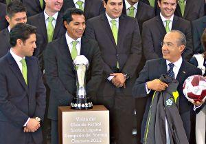 Expresidente de México, Felipe Calderón, protesta por la posible desaparición de Monarcas Morelia