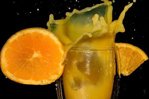 5 razones para no beber jugo de naranja procesado