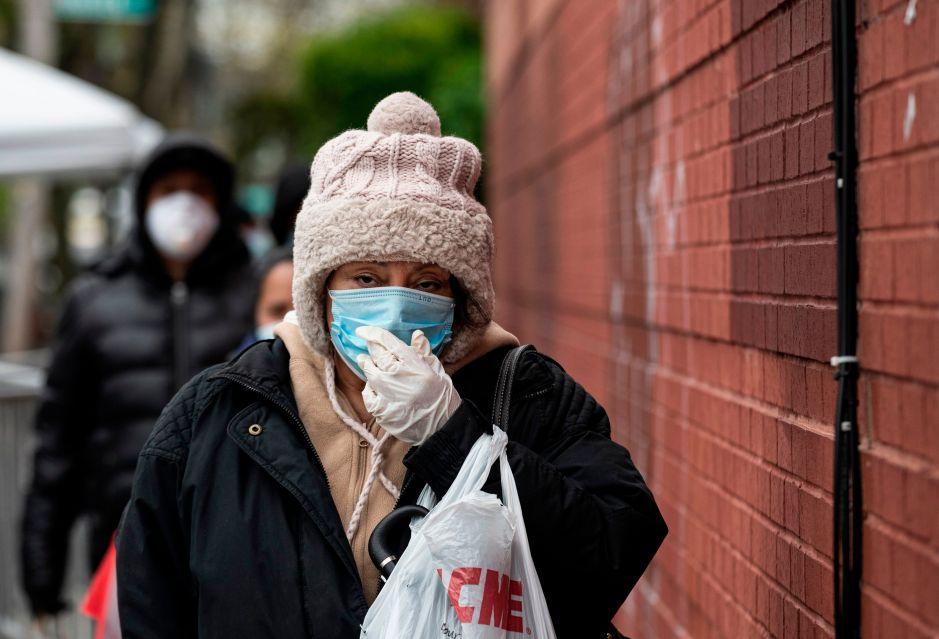 Lanzan campaña en NY para usar tapabocas ante temor de aumento de muertes por COVID-19