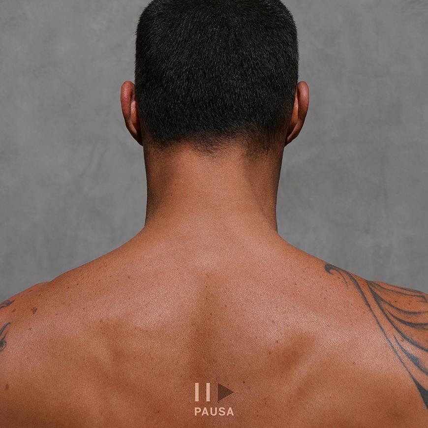 Ricky Martin la portada del EP Pausa