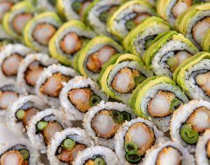 Cómo hacer sushi fácilmente en un molde para hielos