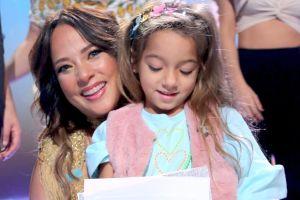 Adamari López comparte importante noticia que la hizo romper en llanto frente a su hija, Alaïa