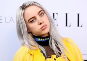 Billie Eilish da a conocer el video en el que se quita la ropa