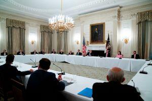 Preocupación entre el personal de la Casa Blanca tras dos casos de coronavirus