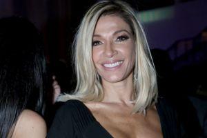 Oriana Sabatini, la hija de Catherine Fulop, sorprende al mostrar las estrías de su cuerpo en bikini