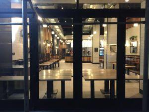 En NYC lanzan salvavidas a restaurantes y pequeños negocios en jaque por el coronavirus