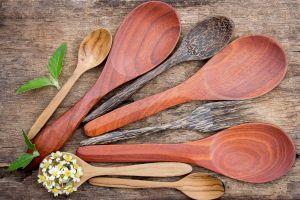 Cómo limpiar correctamente tus utensilios de madera