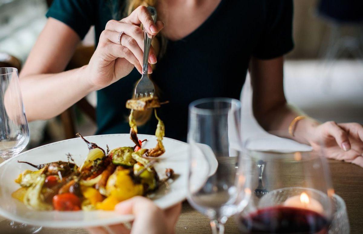 Los 6 alimentos que nunca deberían de estar en tus cenas